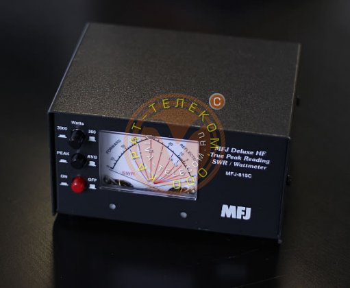Измеритель КСВ и мощности MFJ-815C.